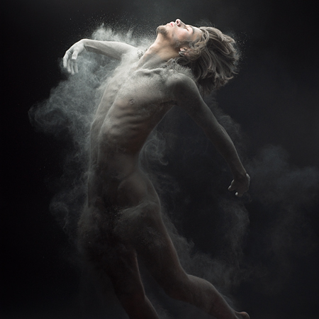 Dust par Olivier Valsecchi