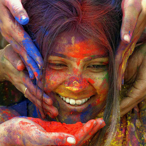 jeune fille inde couleur