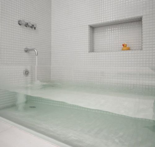 salle de bain design transparent